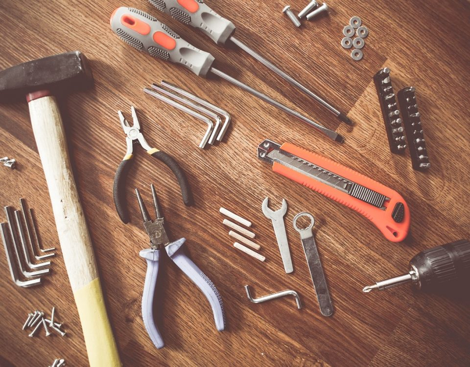 THE BEST TOOLS FOR METAL SCRAPPING